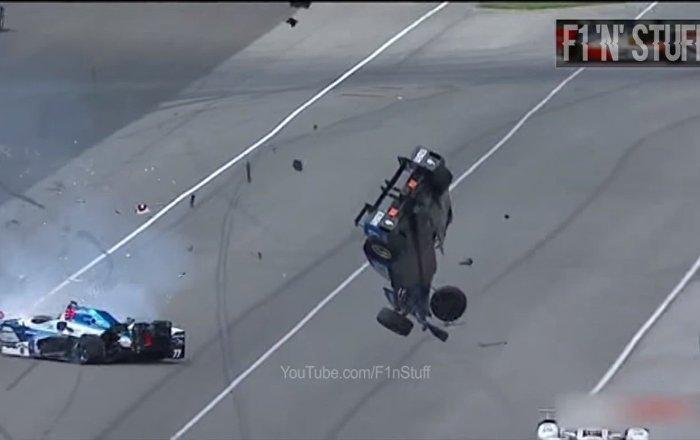 """Kierowca cudem przeżył wypadek w wyścigu """"Indy 500"""""""