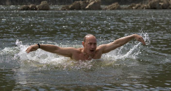 Władimir Putin nad rzeką Jenisej
