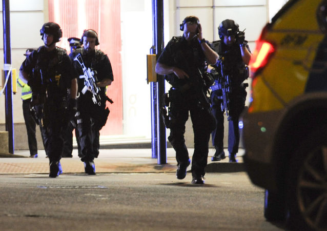 Policja na miejscu zamachu w Londynie
