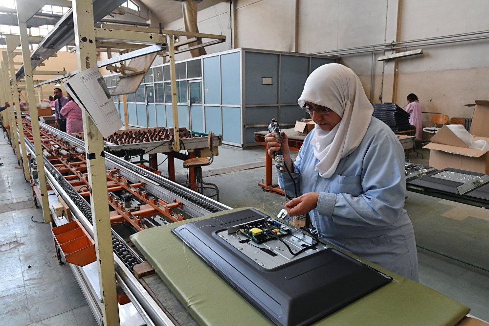 W Damaszku działa zakład produkujący telewizory Syronics.