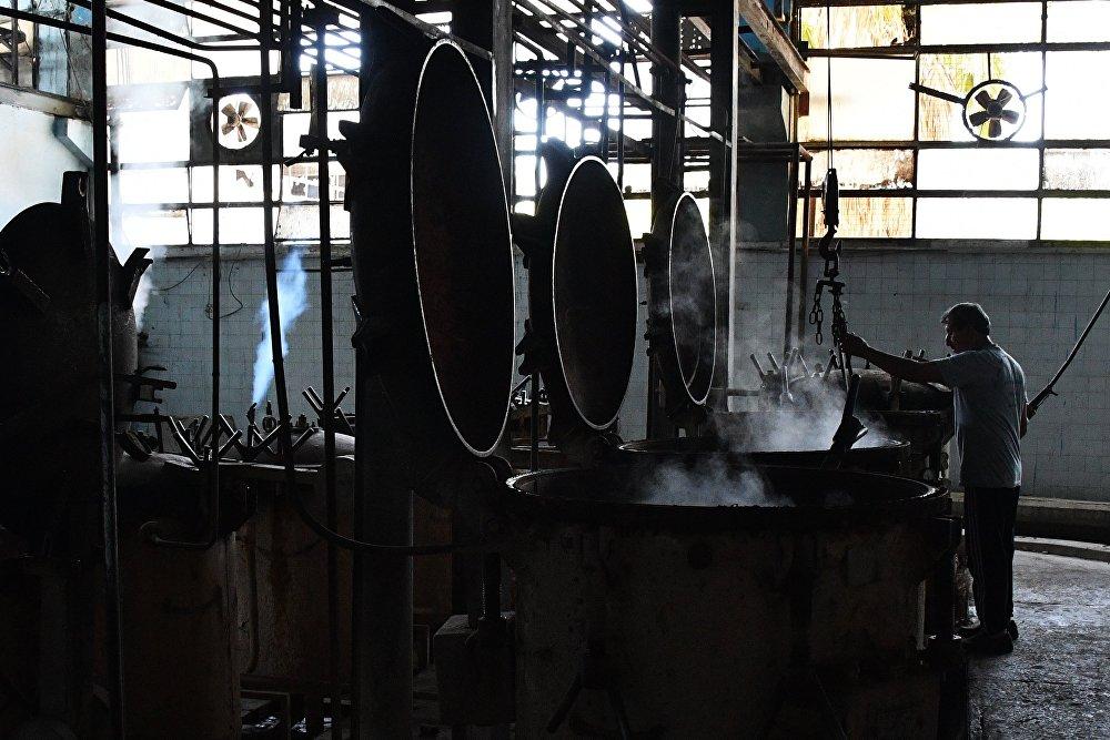 Zakład produkcji konserw w Damaszku.