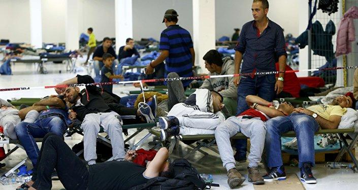 Migranci w schronisku w Niemczech