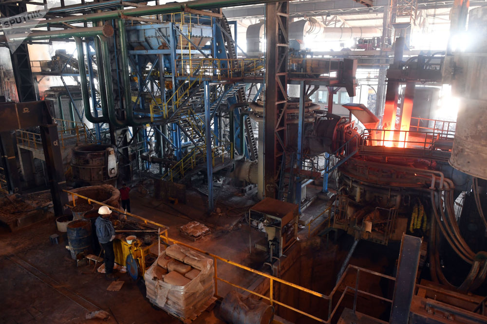Praca w zakładzie metalurgicznym w Hamie