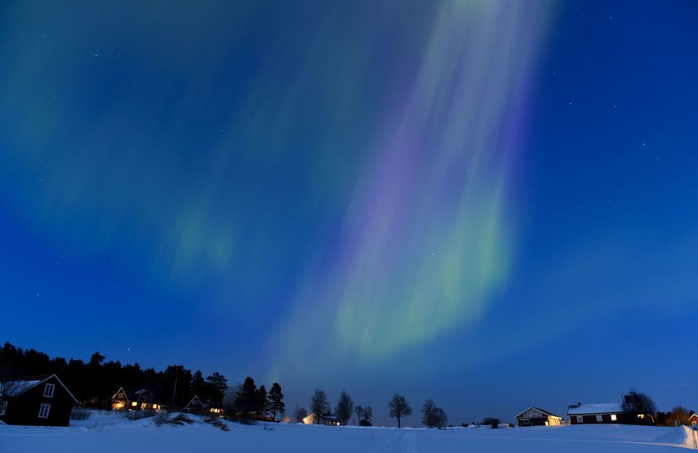 Zorza polarna w niebie nad Szwecją.