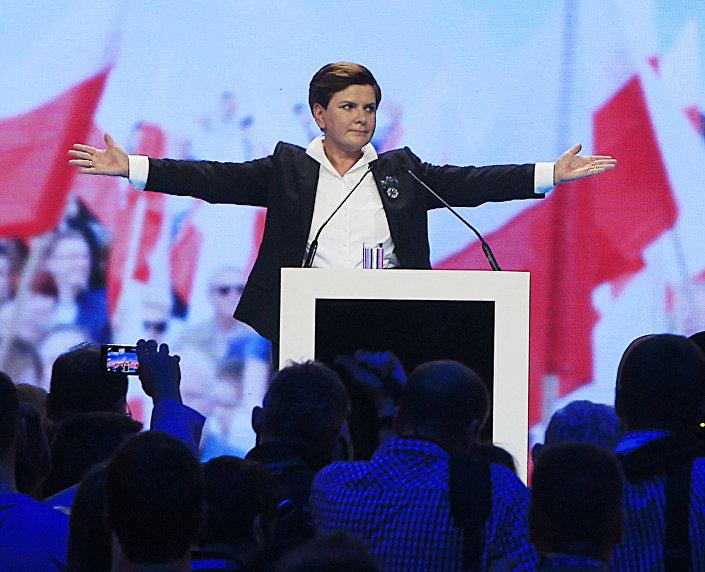 2014 rok. Beata Szydło, kandydatka na stanowisko premiera od PiS.