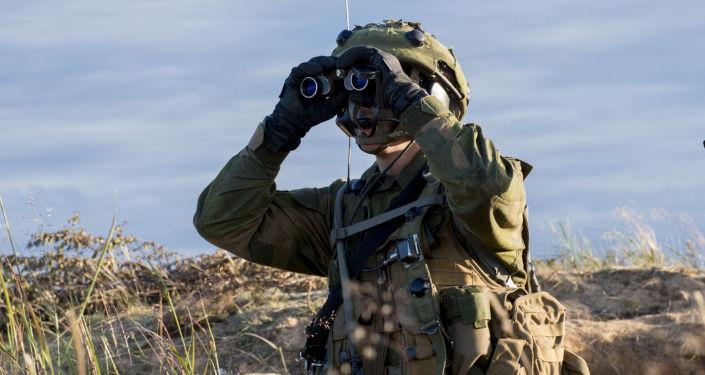 Żołnierz podczas ćwiczeń NATO Saber Strike. Zdjęcia archiwalne