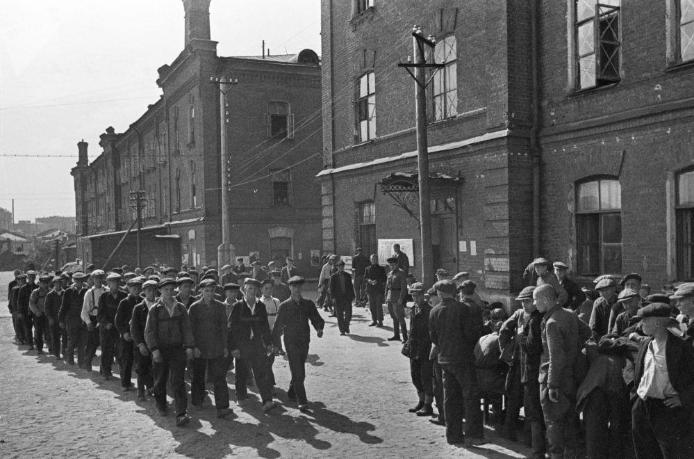 Mobilizacja, rekruci. Moskwa, 23 czerwca 1941 r.