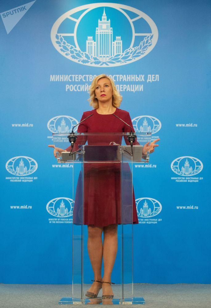 Rzeczniczka MSZ Federacji Rosyjskiej Maria Zacharowa w trakcie briefingu w Moskwie.