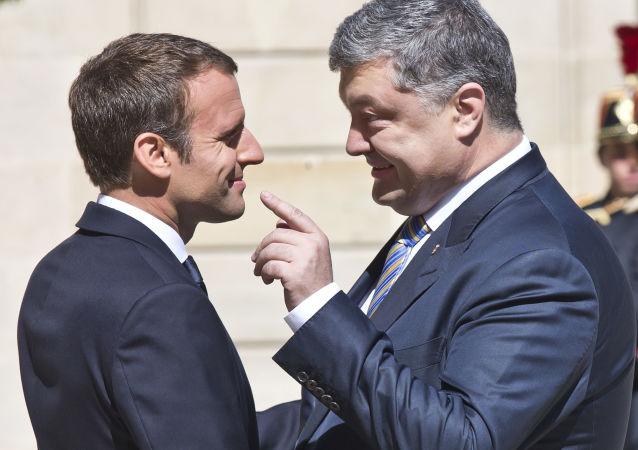Emmanuel Macron i Petro Poroszenko