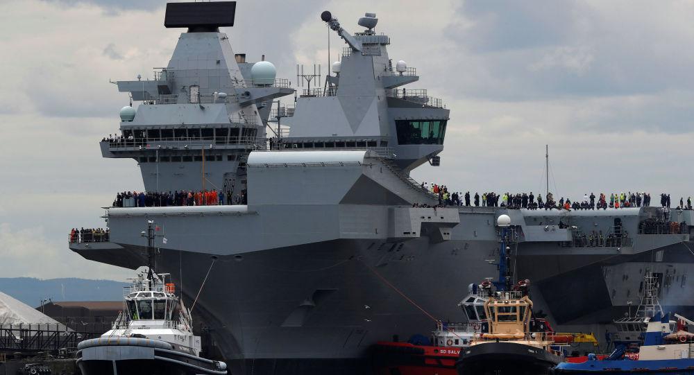 """Największy okręt Królewskiej Marynarki Wojennej lotniskowiec """"Queen Elizabeth"""""""