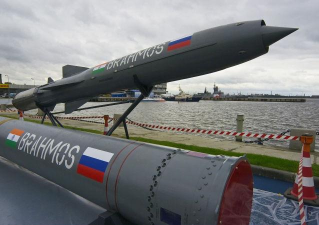 Rosyjsko-indyjski naddźwiękowy pocisk przeciwokrętowy BRAHMOS