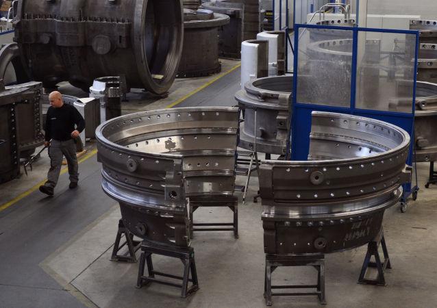 Hala produkcyjna w fabryce Siemensa w Berlinie