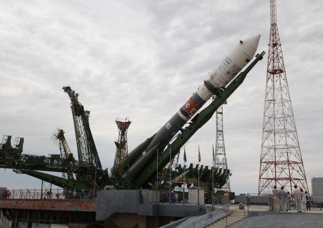 Start rakiety Sojuz 2.1A z Bajkonuru