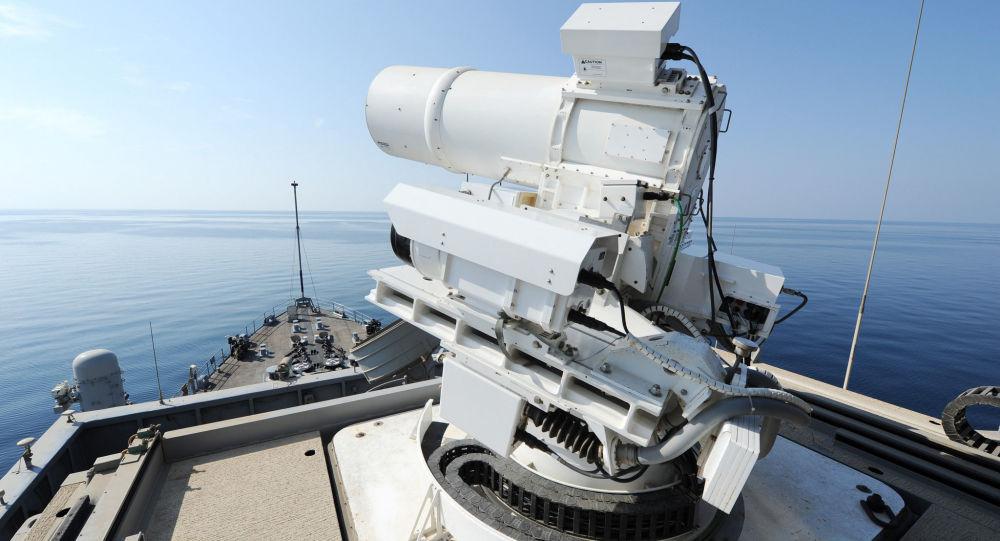 Laserowe działo umieszczone na pokładzie amerykańskiego okrętu USS Ponce