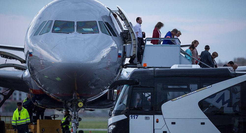 Nowe przepisy lotnicze zaproponowane przez Ministerstwo Transportu Rosji przewidują minimalną wagę bagażu podręcznego do pięciu kilogramów