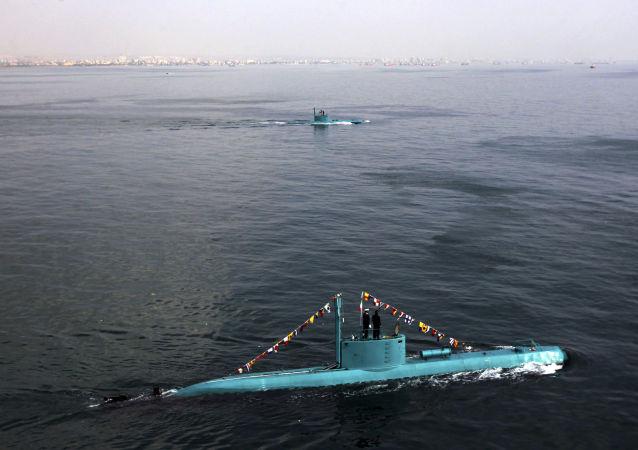 Irańskie łodzie podwodne w Zatoce Perskiej