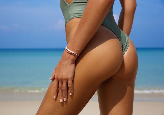 Pomimo dość wygórowanej ceny – 7,5 tys. rubli – kostiumy kąpielowe cieszą się zainteresowaniem w Rosji i poza jej granicami.