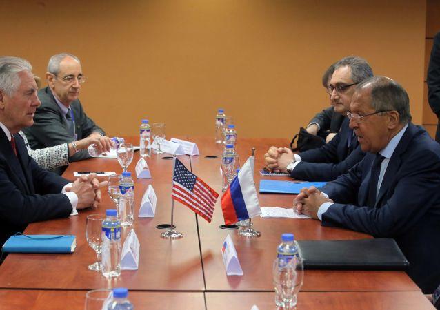 Rozmowa ministrów odbyła się podczas spotkania szefów MSZ krajów ASEAN w Manili.