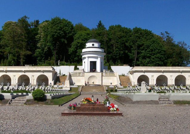 Kaplica-rotunda położona na terytorium polskiego cmentarza wojennego na Cmentarzu Łyczakowskim we Lwowie