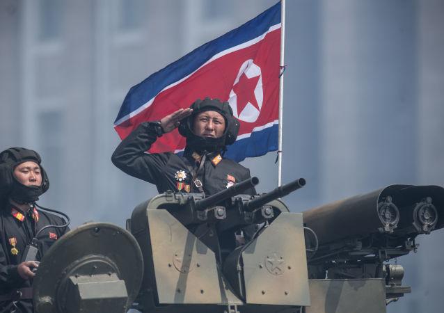"""Groźbami pod adresem Korei Północnej Donald Trump, który obiecał Pjongjangowi """"ogień i wściekłość"""", zwiększa ryzyko ewentualnego konfliktu zbrojnego"""
