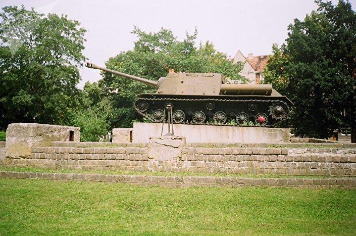 Malborski czołg, który ma zniknąć z miasta w rezultacie dekomunizacji