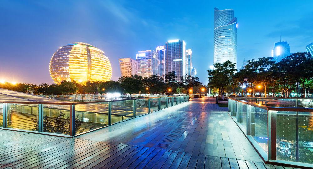 Wieżowce Hangzhou nocą