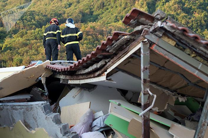 Skutki trzęsienia ziemi na wyspie Ischia