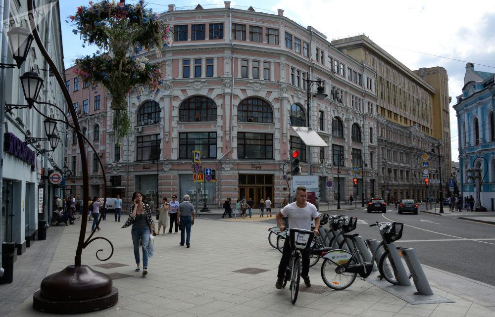 Budynek domu Towarowego M.S. Kuznecowa na ulicy Miasnickaja w Moskwie