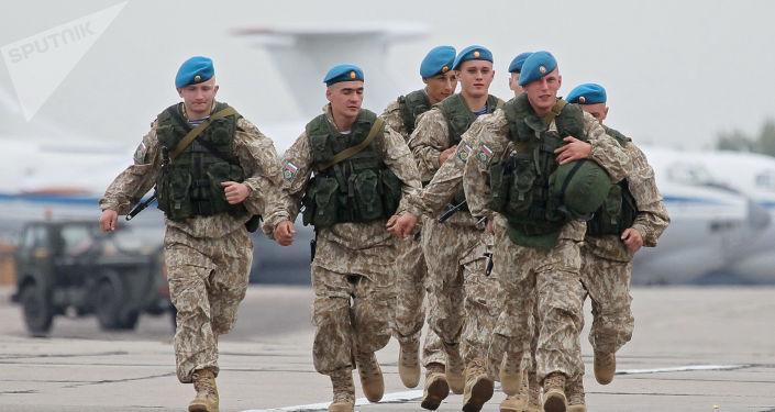 Rosyjscy wojskowi podczas manewrów Zapad-2017