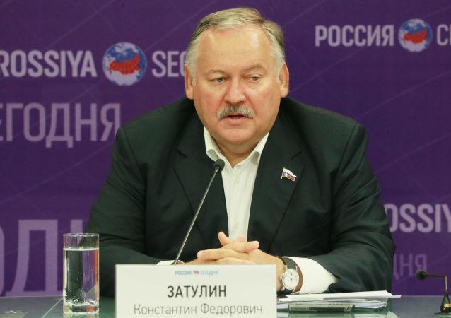 Pierwszy wiceprzewodniczący Komisji ds. WNP, Integracji Euroazjatyckiej i Kontaktów z Rodakami Dumy Państwowej Rosji Konstantin Zatulin