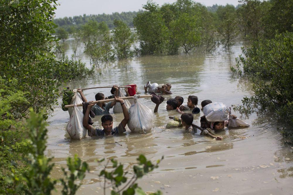 Uchodźcy Rohingya na granicy Bangladeszu