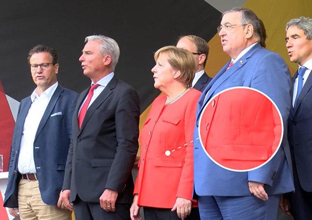 Angelę Merkel obrzucono pomidorami