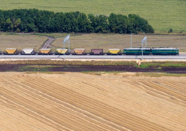 Od października ruch rosyjskich pociągów towarowych będzie odbywał się z pominięciem Ukrainy