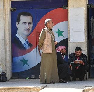 A ponieważ perspektywy, że al-Asad ustąpi, są coraz mniejsze, jego wrogowie obierają nowe cele