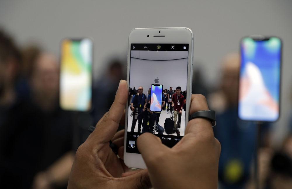Nowy iPhone 8 w salonie Apple w Kalifornii