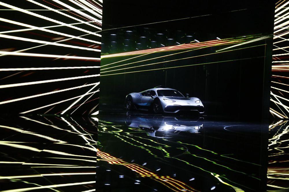 Mercedes AMG Project One na Międzynarodowym Salonie Motoryzacyjnym we Frankfurcie