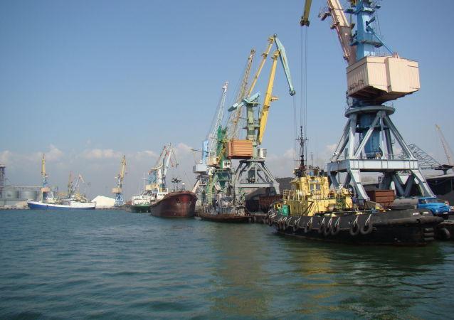 Berdiański port handlowy na Morzu Azowskim