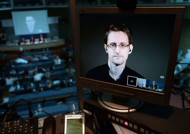 Były pracownik CIA Edward Snowden