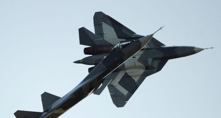 """Najnowszy rosyjski myśliwiec PAK FA: """"latający robot z pilotem"""