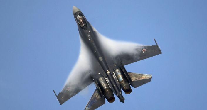 Dwusilnikowy myśliwiec wielozadaniowy Su-35