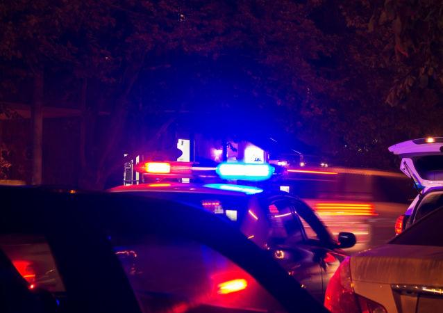 Światła policyjnego radiowozu