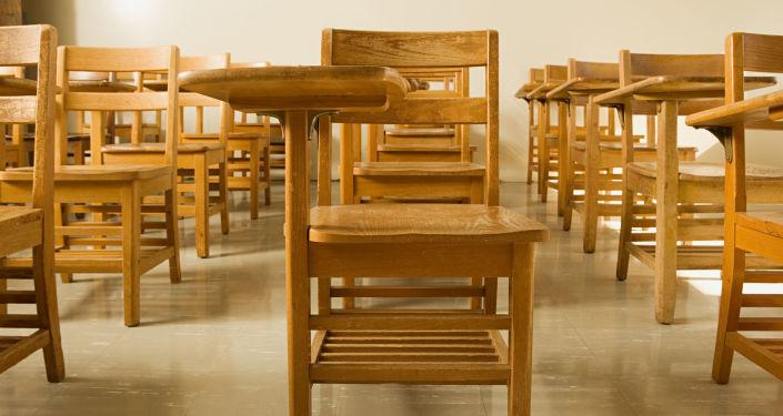 Pusta klasa w szkole