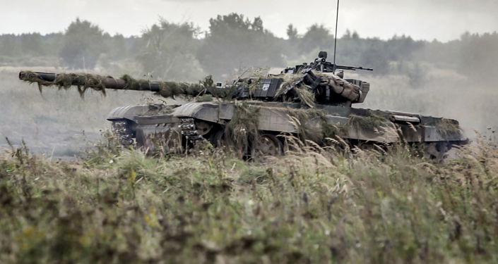 Czołg podczas ćwiczeń wojskowych Dragon-17 w Polsce