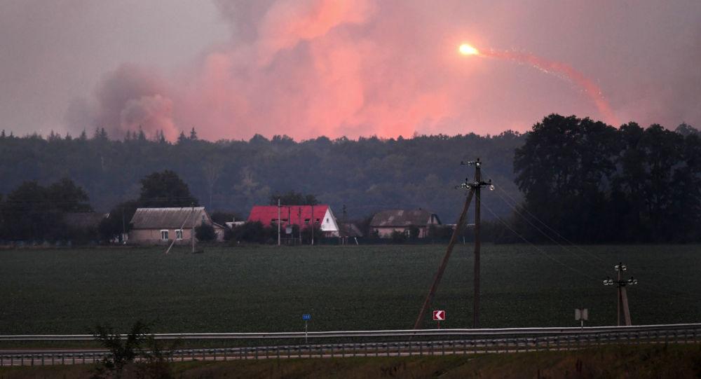 Пожар и взрывы на складах боеприпасов у города Калиновка Винницкой области, Украина