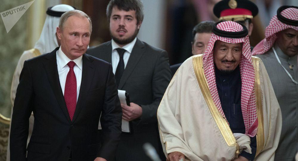 Władimir Putin i król Arabii Saudyjskiej Salman ibn Abd al-Aziz as-Saud