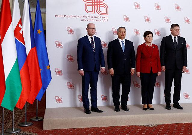 Członkowie Grupy Wyszehradzkiej podczas szczytu w Warszawie
