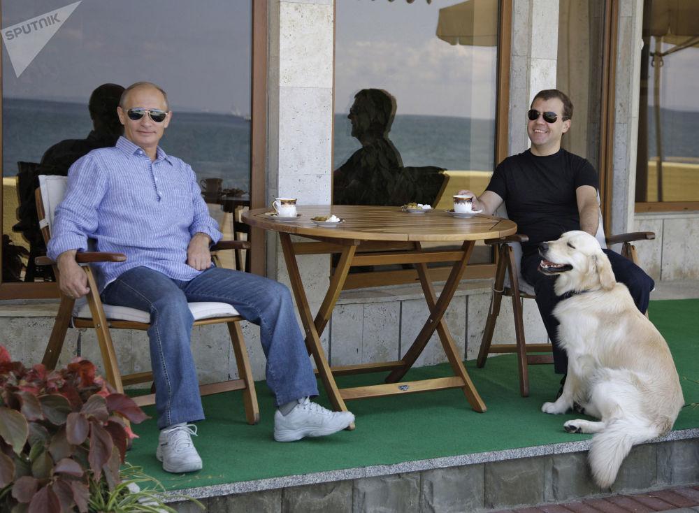 Władimir Putin i Dmitrij Miedwiediew w Soczi, 2009 rok
