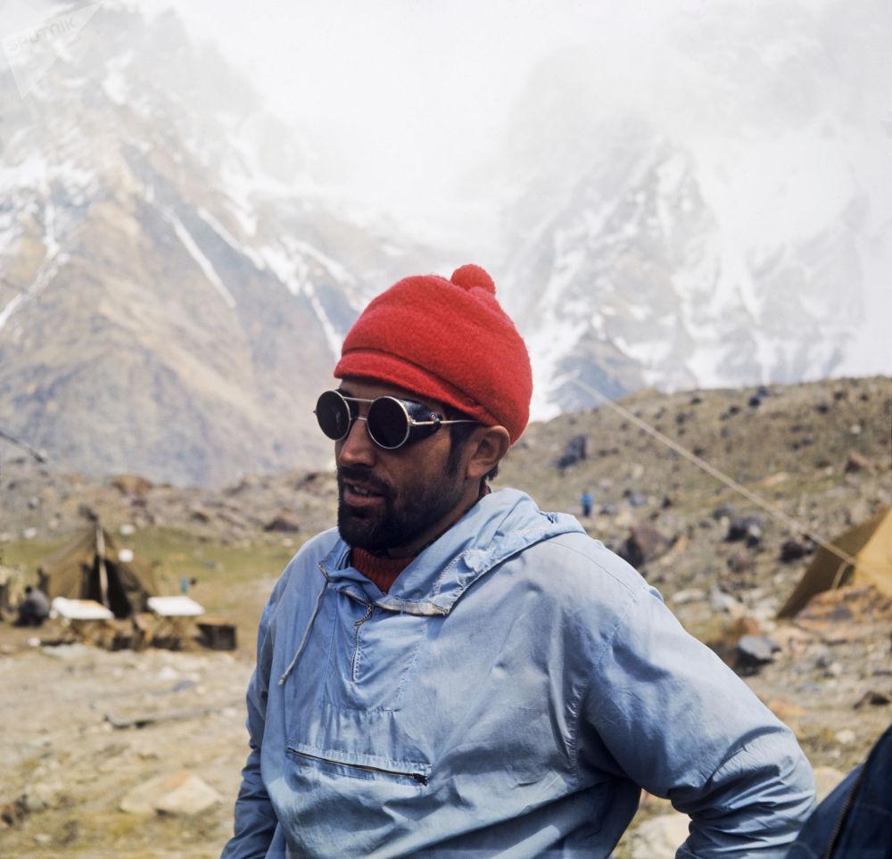 Uczestnik międzynarodowej wspinaczki na szczyt Komunizm, czechosłowacki alpinista Leoš Chládek, 1972 rok
