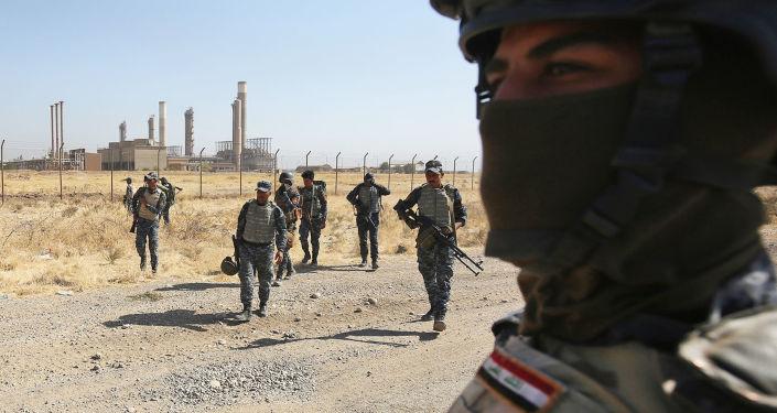 Irackie wojska przy podejściu do miasta Kirkuk