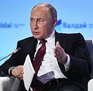 Władimir Putin na sesji Klubu Wałdajskiego